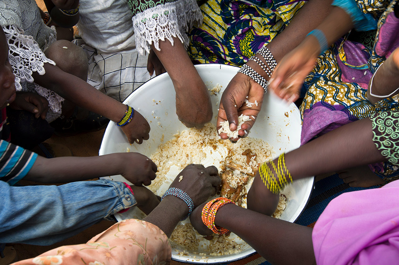 Snapshot from Niger: There is not enough food for everyone. Photo: Christoph Püschner/Brot für die Welt