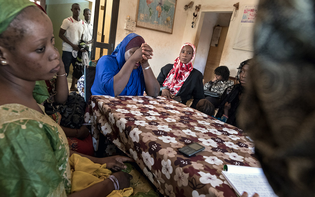 Together against discrimination: Participants of  a support group in Bamako, the capital of Mali. Photo: Christoph Püschner/Brot für die Welt